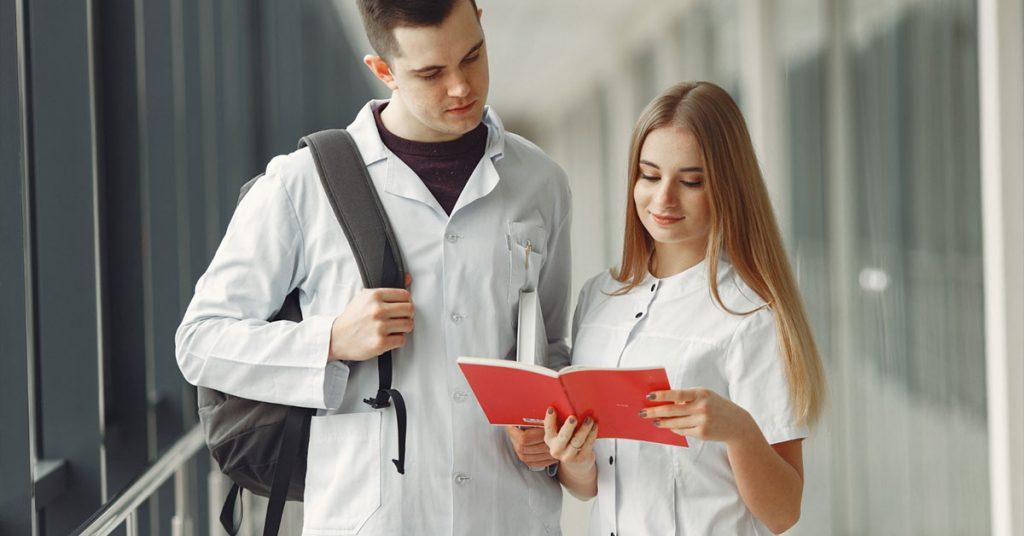 студенти фармация